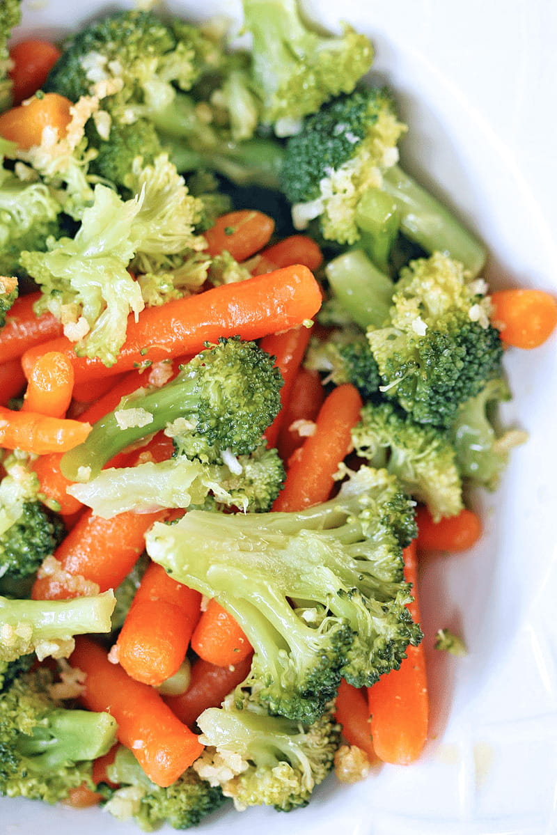 Steamed Vegetables with Garlic and Oil Sauce