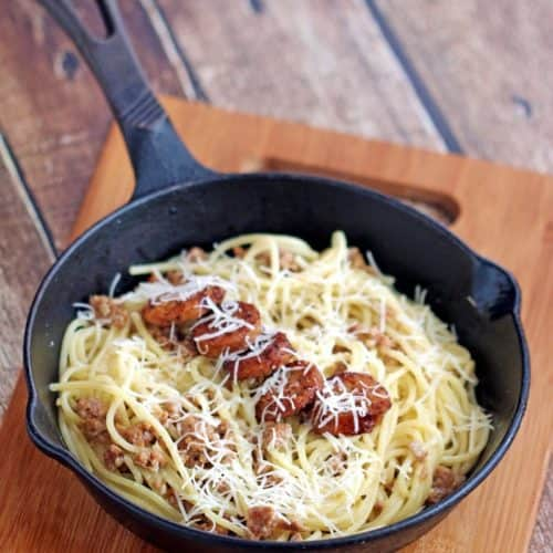 Italian Turkey Sausage Spaghetti with Garlic Butter Sauce - this delicious yet easy to make dish is made leaner with turkey!