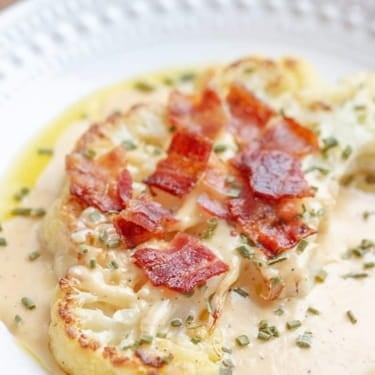 (Low Carb) Cauliflower Steaks with Bacon and Cheese Sauce